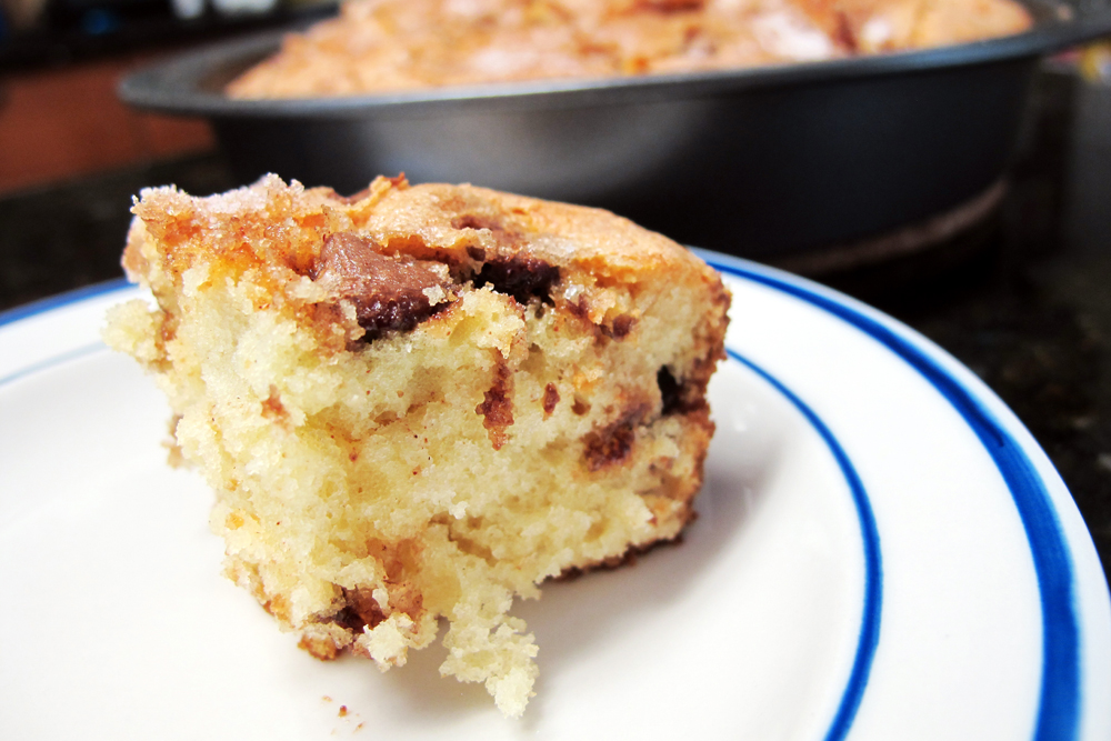 Cinnamon-Chocolate Chip Coffee Cake - bites out of life