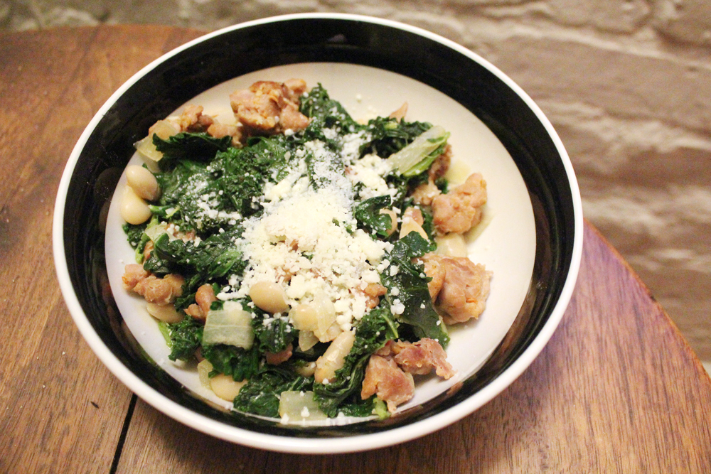 Garlicky Kale with White Beans and Sausage - bites out of life